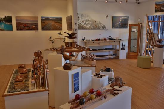 wilderness gallery inside 4 - Picture of Wilderness Gallery, Hokitika -  Tripadvisor