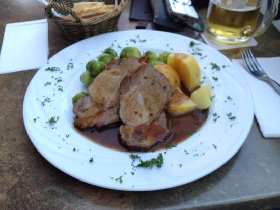 Hotel Restaurant am Markt: Excellent Roast Pork dinner.