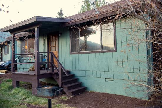 Antler Ridge Resort Cabins: 2 Bedroom Cabin front elevation and porch