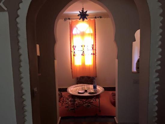 Auberge du Sud: dining/sitting area in berber suite