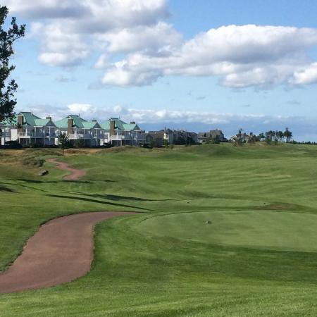 Wallace, Kanada: Golf course rocks