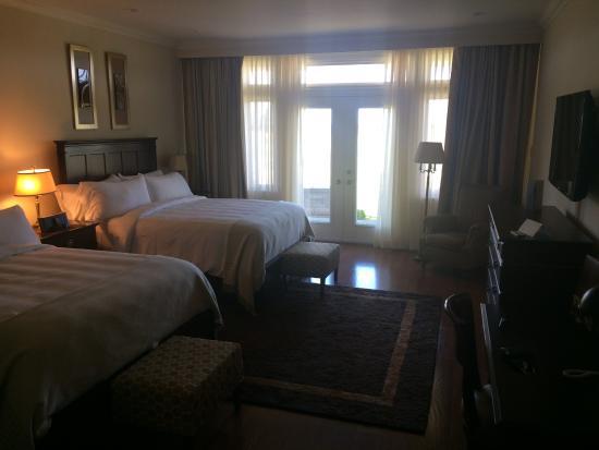 Wallace, Kanada: Room 1202