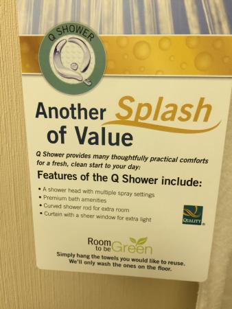Quality Inn Ledgewood: The Splash of Value....where.  See the Curved Shower Curtain Rod Mounted
