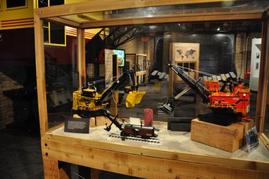 Caterpillar Global Mining Visitor Center
