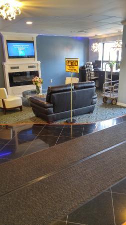 The Lakeside Inn: Lobby with caution sign.