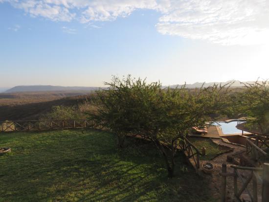 Escarpment Luxury Lodge : Far distance views