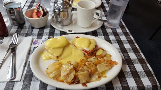 Eggs Benedict Picture Of Kitty S Kitchen Morro Bay