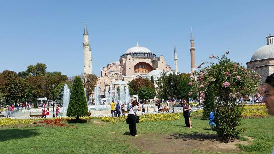 Sultanahmet Square - Picture of Sultanahmet Square ...