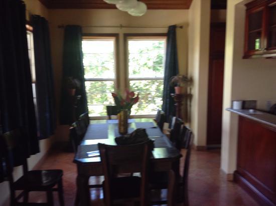 Grand Colony Island Villas: Dining Area