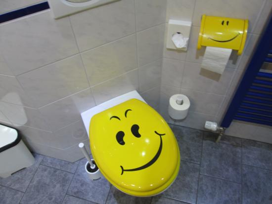 Smile Hotel: 房間浴室