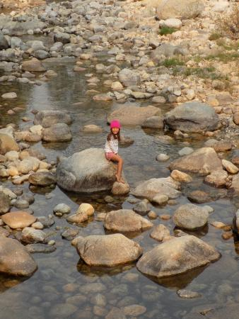 Lodgepole Campground: Kids love playing at the river!