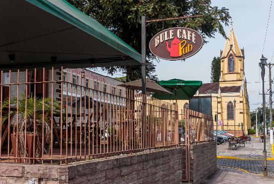Bule Cafe Pub