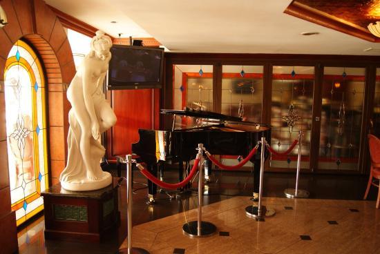Florencia Plaza Hotel: Restaurante Vitrales