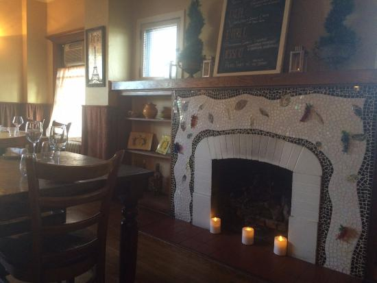JaJa Bistro: Main dining room