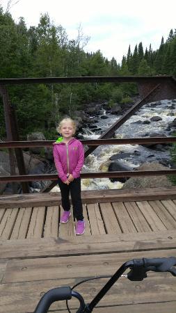 Cacade River: Granddaughter Cascade Falls
