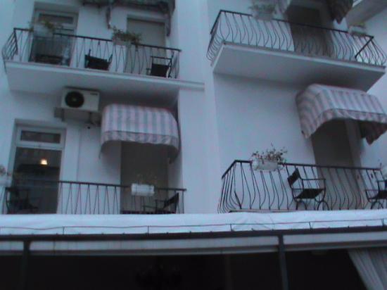 Hotel Diamante: BALCONI DAVANTI