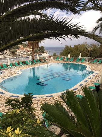 Dimas Apartments: Pool