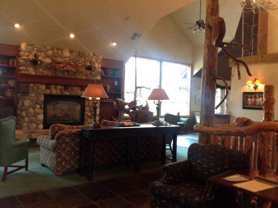 Bigfork Mountain Lake Lodge: In the reception area