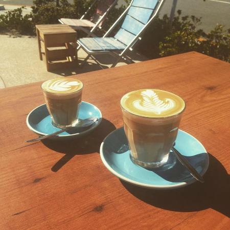 Street Corner Espresso: latte art