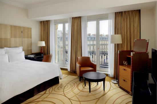 Paris Marriott Champs Elysees Hotel : View Room