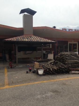 Braciere esterno foto di ristorante renzo scurcola for L esterno di un ristorante