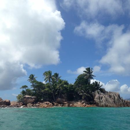 جزيرة براسلين, سيشيل: Robinson Crusoe style