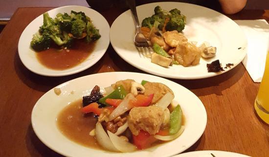 Sir and Madam: Tofu y brocoli