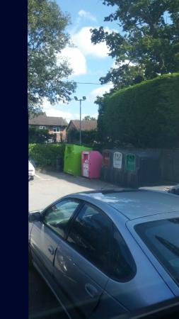 Nursling, UK: Location of bottle bins.