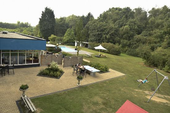 Novotel Eindhoven: Giardino interno