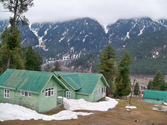 JKTDC Pahalgaon Huts: 2 BHK Huts View