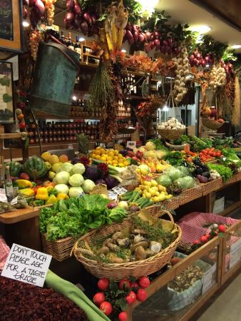 a sunny day trip at the san lorenzo market Day trips & excursions  san lorenzo market (mercato di san lorenzo) tours  check out the food vendors in the bustling san lorenzo market take this tour on your.