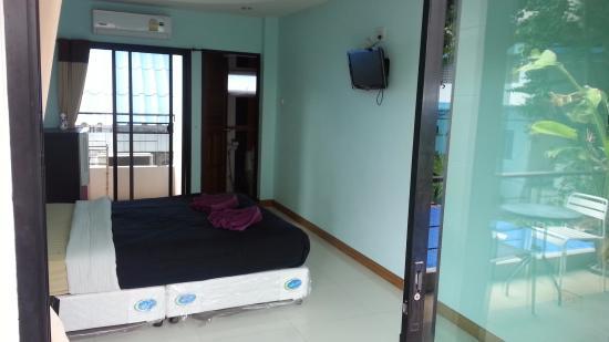 Ban Rak Samed Hotel: The Room