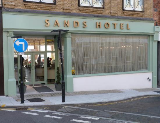 Sands Hotel Bar