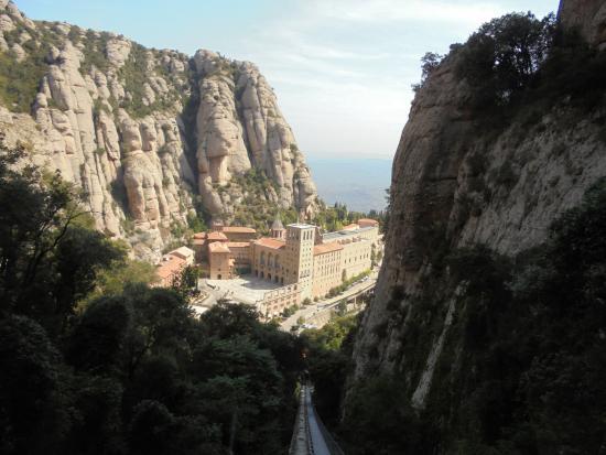 montserrat guided day tour barcelona viator