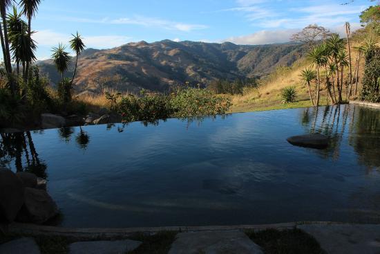 Cabins El Sol: pool view