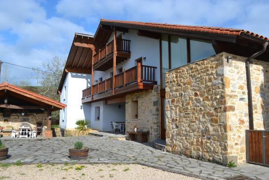 Casa Rural Errota-Barri: Casa