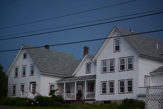 Prospect Harbor, ME: beautiful Farmhouse