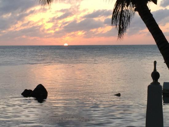 Lime Tree Bay Resort : Sunset at Lime Tree Bay Beach