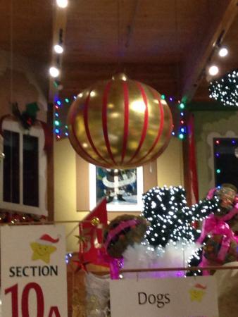 Bronner's Christmas Wonderland: photo2.jpg