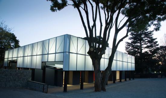 Ten Bompas: Space Conference Centre