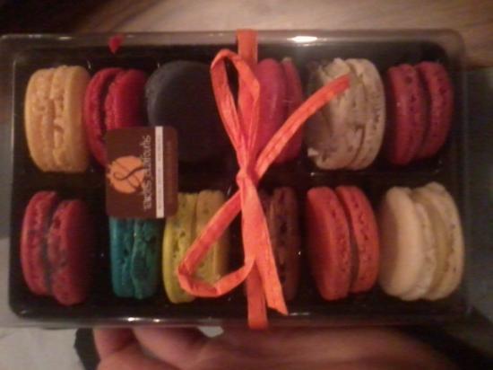 Tartes et clafoutis: Les Macarons de merveille!!! :)