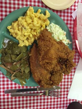 Martin's Restaurant: Fried Chicken, green beans, cold slaw,  Mac & Cheese