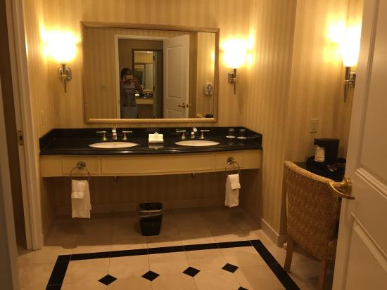 how to get free hotel rooms in atlantic city