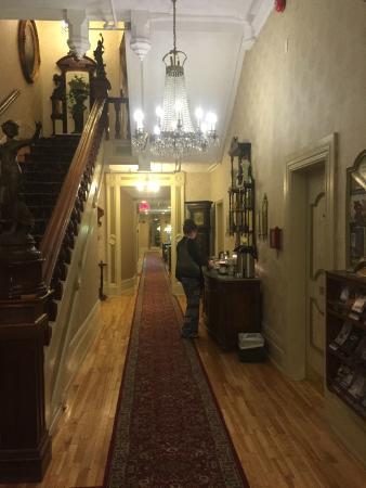 Waverley Inn: Hallway