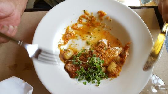 Ruvo Restaurant East: Fried crispy fish