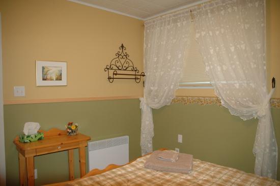 Champlain, Kanada: chambre lit queen