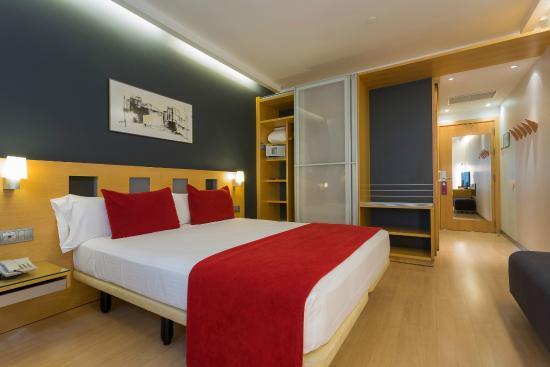 Ayre Hotel Caspe: Habitación
