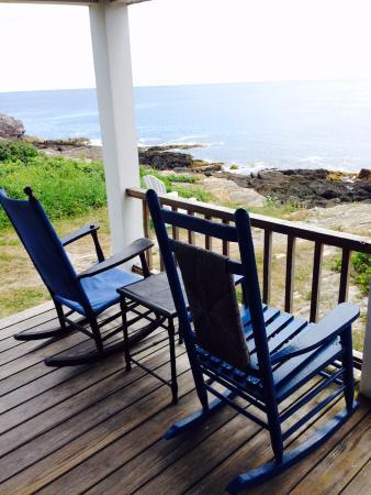 Driftwood Inn and Cottages: SurfSide Cottage Deck