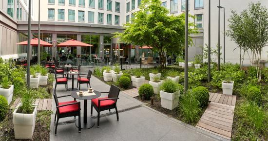 Park Inn by Radisson Brussels Midi: Terrace Patio