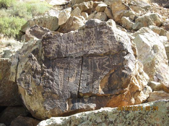 Parowan Gap Petroglyphs: at the end of the path